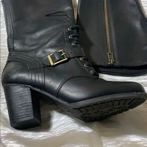 Timberlands black leather boots 7.5   2 3/4 heel